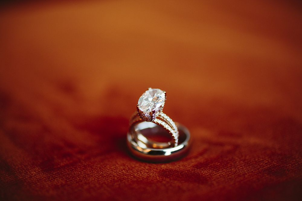 Oval wedding ring detail shot - Photo by Sara & Rocky Photography