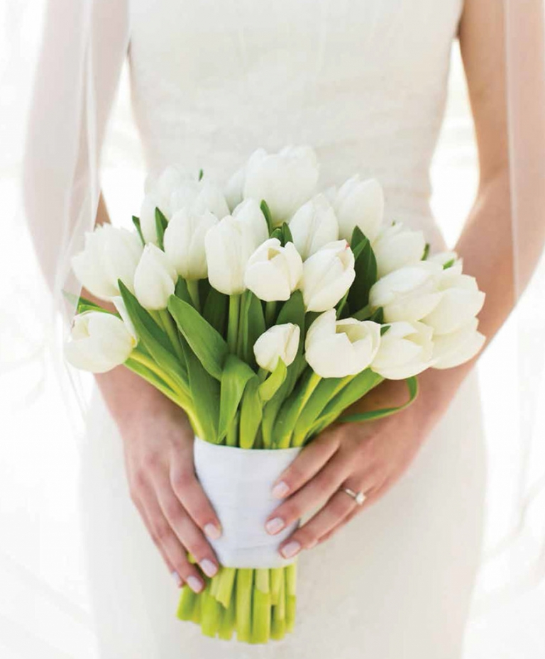Seidel Fleming Wedding DWeddings Feature white tulips brides bouquet Photo by Jenny Martell Photography