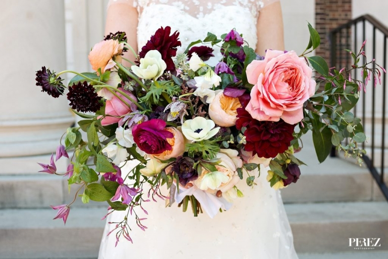 Brides earthy and organic wedding bouquet from The Southern Table in Dallas, Texas - Photos by Perez Photography