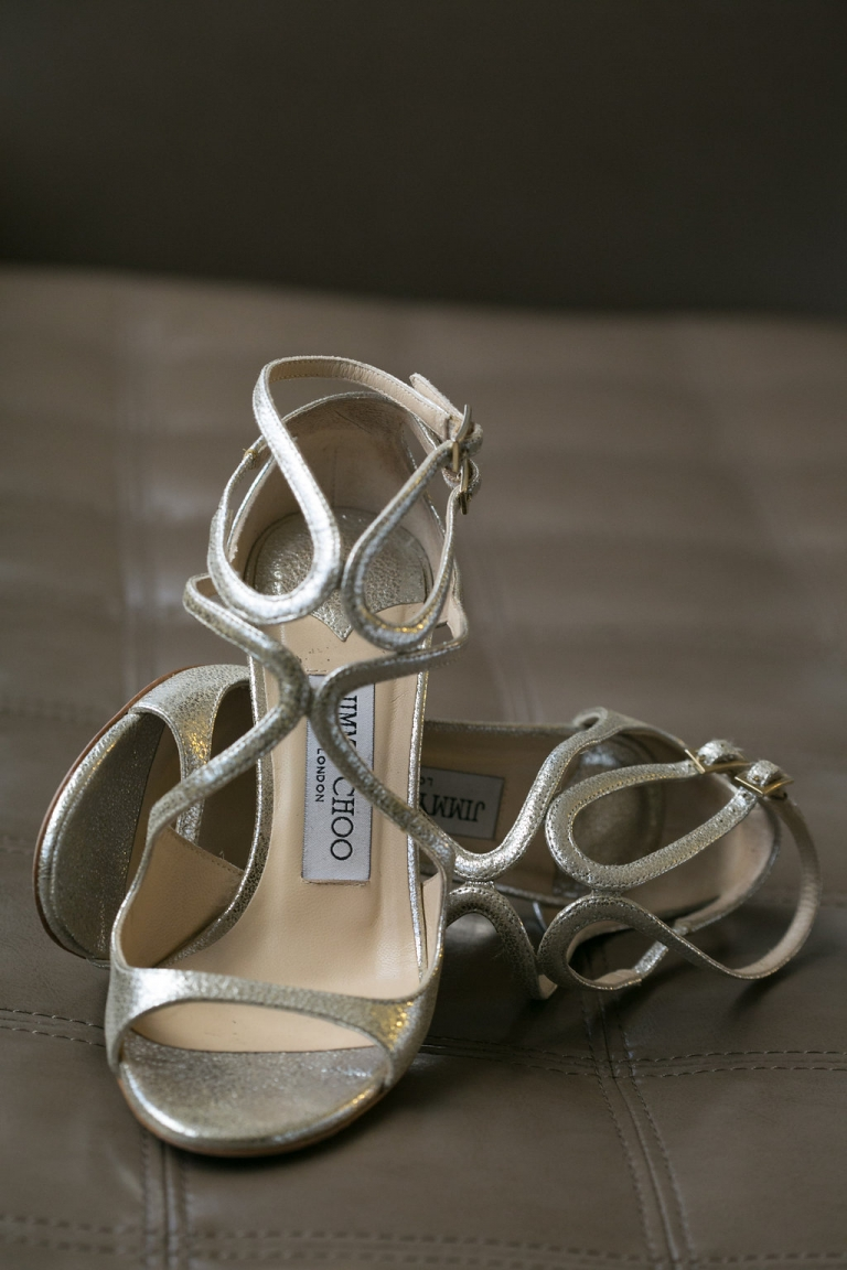 Metallic Jimmy Choo wedding shoes for summer wedding in Dallas. TX - Photos by The Mamones