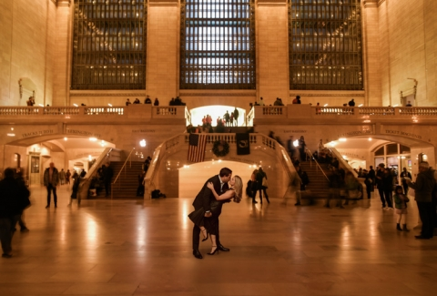 New York City fall engagement photos in Grand Central Station - Photos by Shannon Skloss Photography