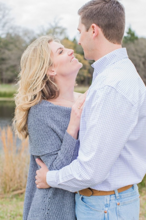 Outdoor engagement photos - Photos by Kiss Me For Eternity