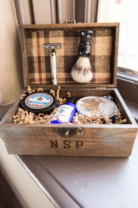 Groomsmen gift personalized with initials in wooden box - Photo by Rap Photo Company