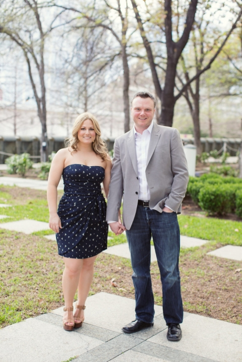 Dallas Arts District outdoor engagement photos - Photo by Joshua Aull Photography