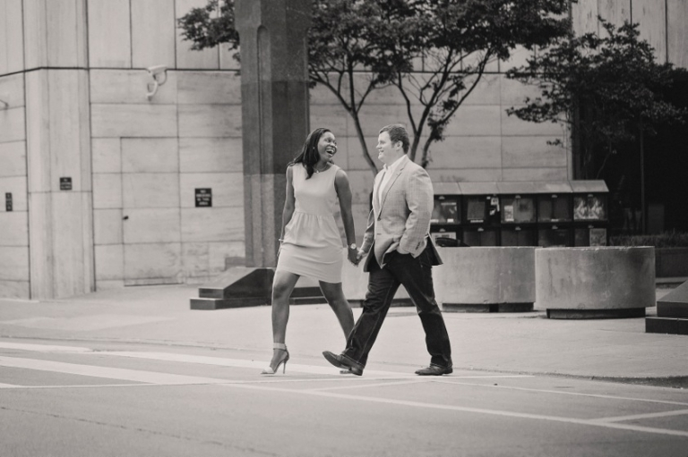 Downtown Dallas engagement photos - Photo by Jenny & Eddie