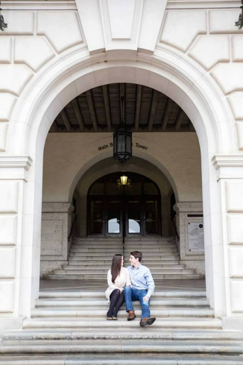 Outdoor engagement photos - Photo by Hilary Rattikin Photography