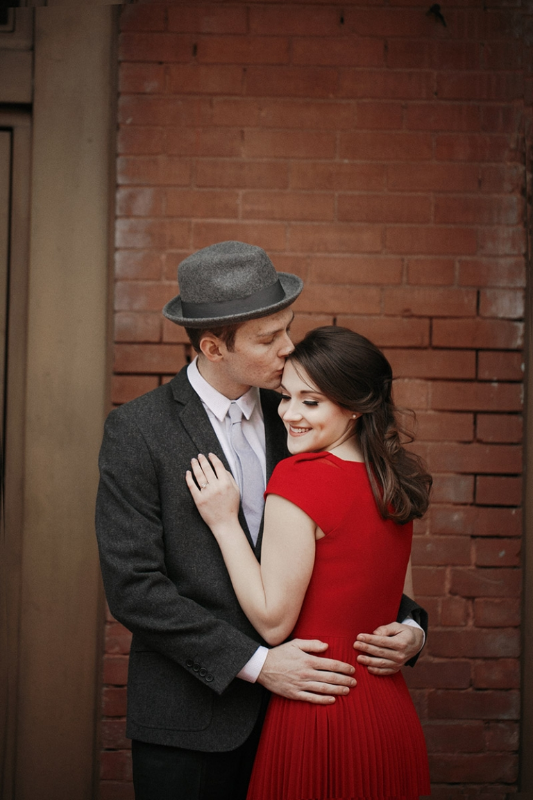Engagement photo in red dress - Photo by Jenny & Eddie