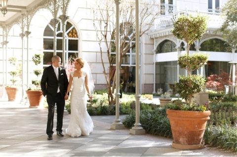 Spring luxe modern wedding featured on The Knot - Photo by Fairytale Photography