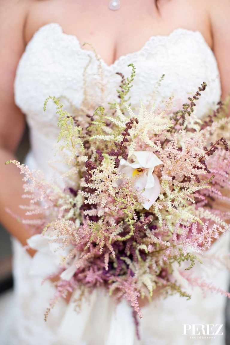 Fall brides bouquet - Photo by Perez Photography