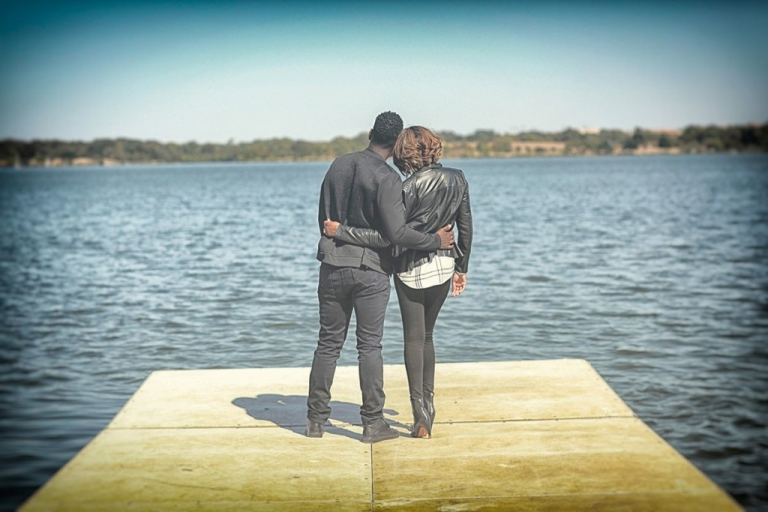 Lakeside engagement picture - Photo by Relive Photography by Laura Parent