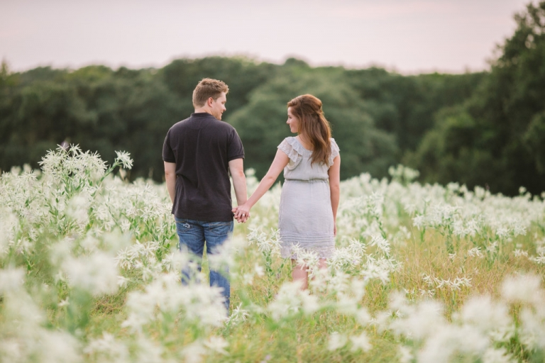Outdoor engagement photos on ranch in Texas - Photo by Evan Godwin Photography