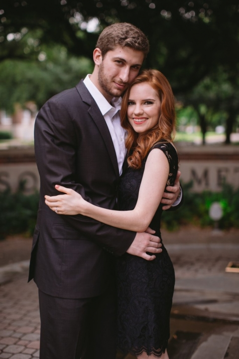 Outdoor engagment pictures at SMU in Dallas, Texas - Photo by Evan Godwin Photography