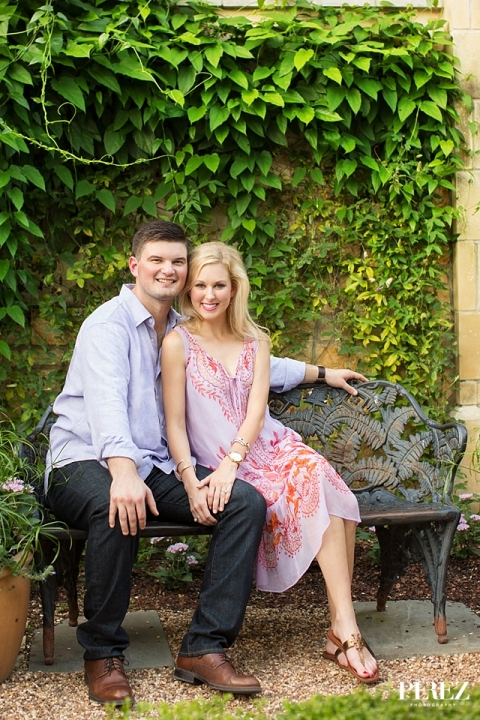 Outdoor engagement pictures at the Dallas Arboretum - Photos by Perez Photography