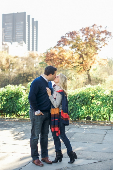 New York City fall engagement photos - Photos by Shannon Skloss Photography